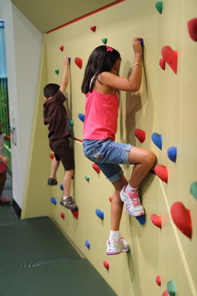 Rock_Climbing_at_Glazer_Childrens_Museum